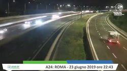 La telecamera trema mentre le auto sfilano: il video del terremoto a Roma ripreso