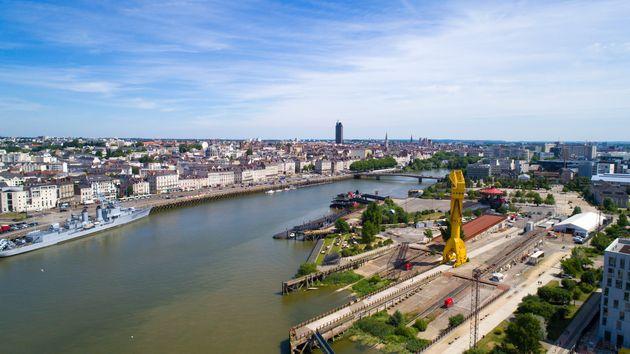 Une vue aérienne de la Lire traversant Nantes. (photo