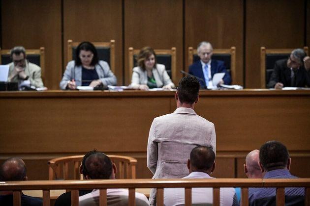 Δίκη Χρυσής Αυγής: «Μοίραζα τρικάκια στη Νίκαια» ισχυρίζεται ο συνοδηγός του