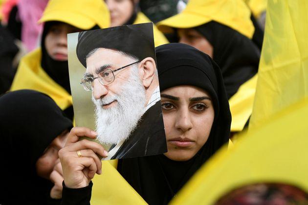 트럼프가 이란 최고지도자 아야톨라 알리 하메네이를 직접 제재하고