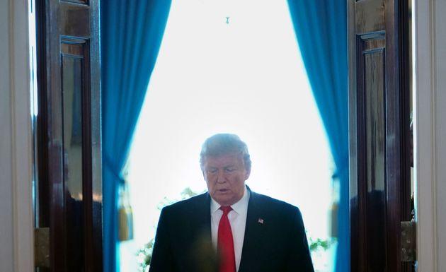 Washington vise la tête du régime iranien et sanctionne le Guide