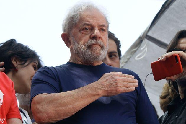 Julgamento sobre pedido de liberdade de Lula ficou para 2º