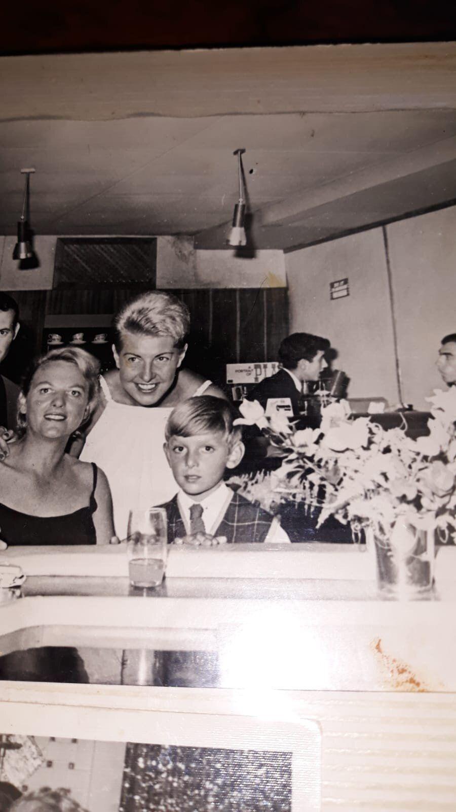 Pía Beck con su esposa Marga Samsonovski y su hijo, Gino