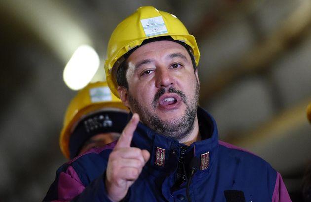 """Matteo Salvini: """"La Tav leggera? A me piacciono i treni"""