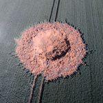 독일의 한 옥수수 밭에 거대한 구멍이