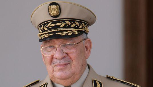 Gaïd Salah en visite à l'Académie militaire de Cherchell à compter de