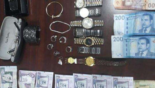Meknès: Arrestation de 2 personnes soupçonnées de vol de bijoux et montres de