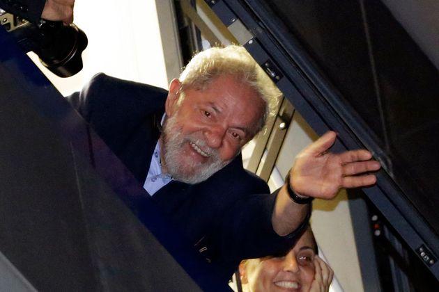 O ex-presidente Luiz Inácio Lula da Silva está preso desde abril em Curitiba (PR), condenado...