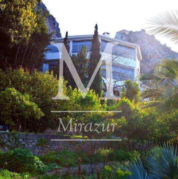 Το εστιατόριο Mirazur βραβεύεται ως το καλύτερο στον