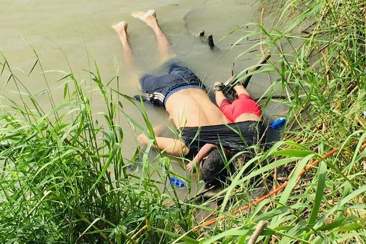 The bodies of Salvadoran migrant Oscar Alberto Martínez Ramírez and his nearly 2-year-old daughter Valeria lie