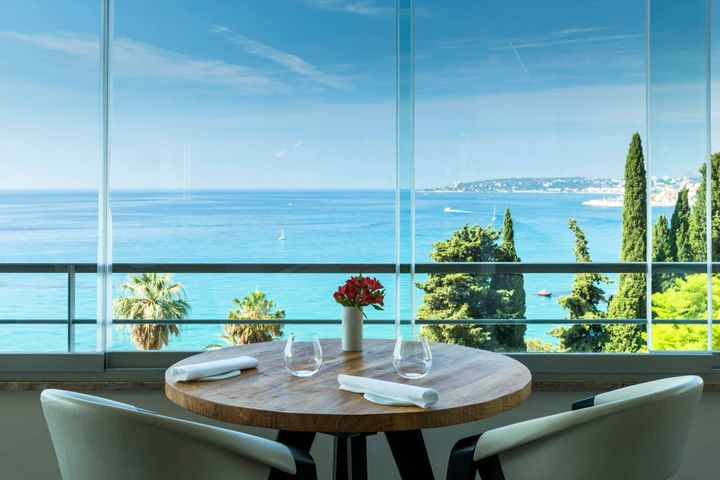 Imagina comer alguns dos saborosos pratos acima apreciando esta vista...