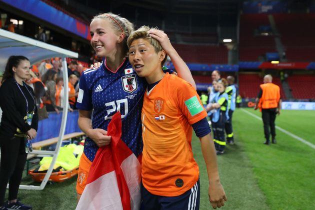 試合後のフルーネン選手と横山選手