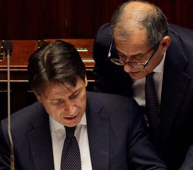 Slitta l'approvazione dell'assestamento di bilancio. Giorgetti: