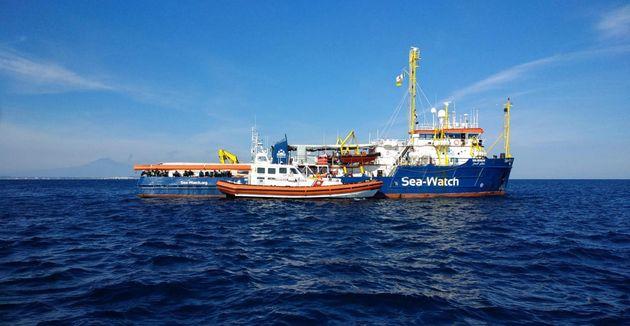 A Lampedusa per opporci alla disumanità