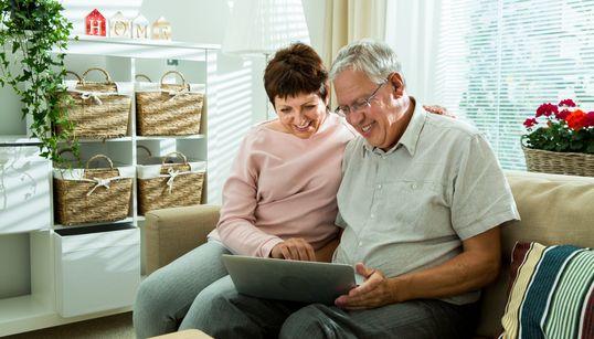 Το μοντέλο-πρότυπο της Φινλανδίας για να φροντίζει τους ηλικιωμένους