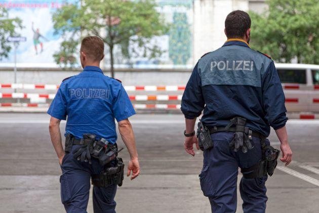Ζυρίχη: Προσποιήθηκαν τους αστυνομικούς και εξαφανίστηκαν με 3,25 εκατ.
