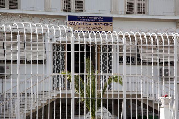 Φυλακές Κορυδαλλού: Βρέθηκαν τραπέζια πόκερ, μηχανές εσπρέσο και