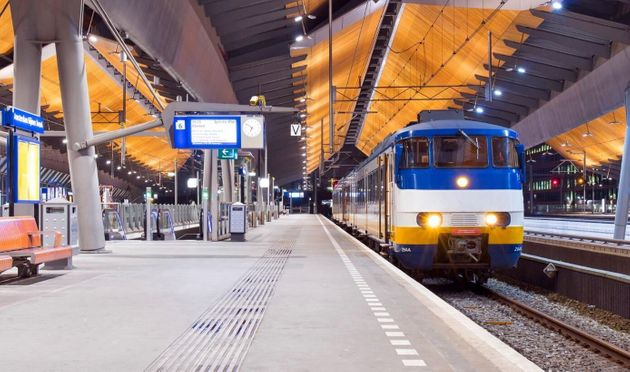 Οι Ολλανδικοί Σιδηρόδρομοι αποζημιώνουν τους Εβραίους που μεταφέρθηκαν στα στρατόπεδα των