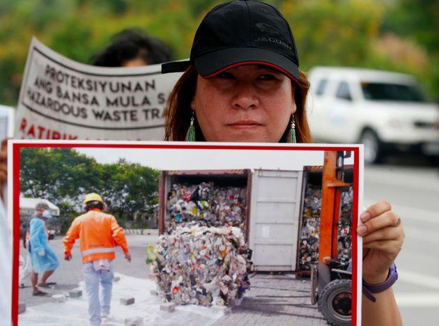 Une environnementaliste dénonce la présence de déchets canadiens aux Philippines...