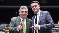Questão das armas 'não pode ser tratada por decreto', diz ex-presidente da Bancada da