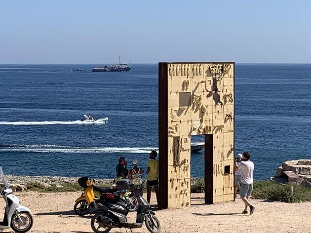 La Sea Watch non può, ma a Lampedusa arrivano altri 10 tunisini su un