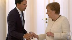Merkel vuelve a sufrir temblores durante un acto