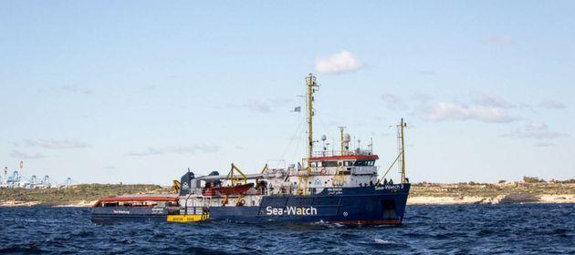"""Sea Watch 3, l'appello degli eurodeputati dem al commissario Avramopulos: """"Basta disperati soli in mezzo..."""