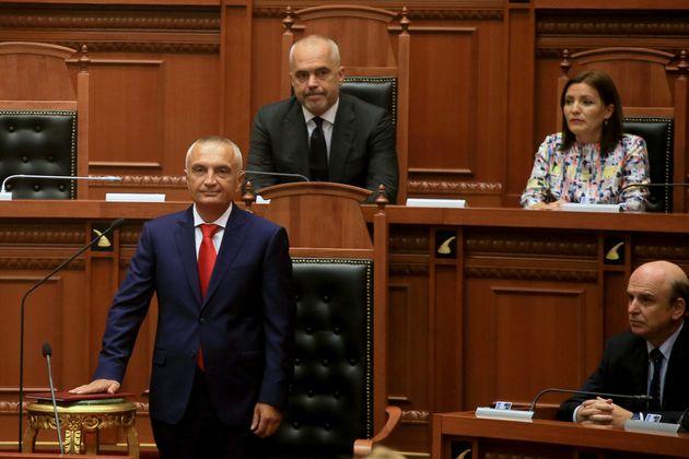 Αλβανία: Στις 13 Οκτωβρίου οι εκλογές, σύμφωνα με τον πρόεδρο Μέτα- επιμένει στις 30 Ιουνίου ο Έντι