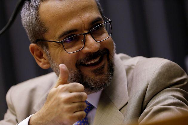 Ministro da Educação, Abraham Weintraub, recebeu apoio do filho do presidente Eduardo