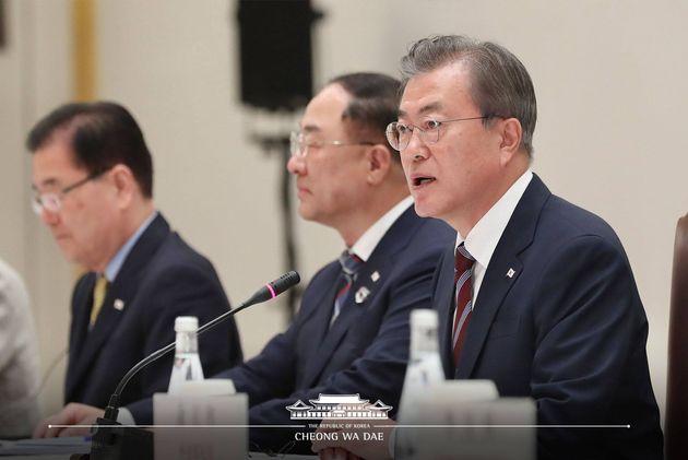 문재인 대통령이 27일 일본 오사카시 웨스틴 호텔에서 시진핑 중국 국가주석과 정상회담서 모두발언하고