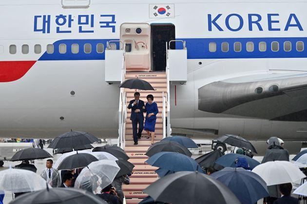 청와대가 '일본 홀대론'을 부인하며 전한
