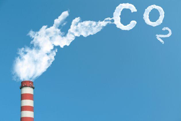 Far pagare le emissioni di CO2 per realizzare una decarbonizzazione