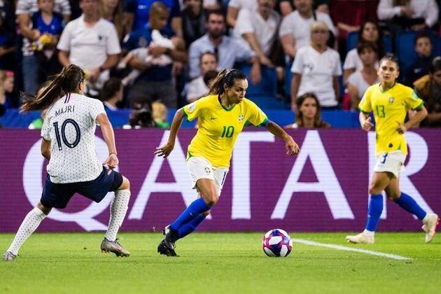 Marta, en el partido contra Francia que eliminó a Brasil del