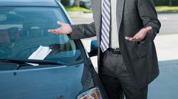 Parcheggia l'auto e lascia il finestrino aperto: multato per
