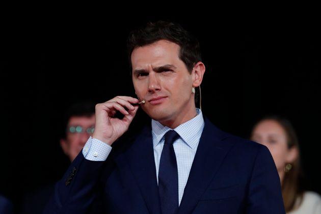 Rivera invita a los críticos y a los que quieren investir a Sánchez que