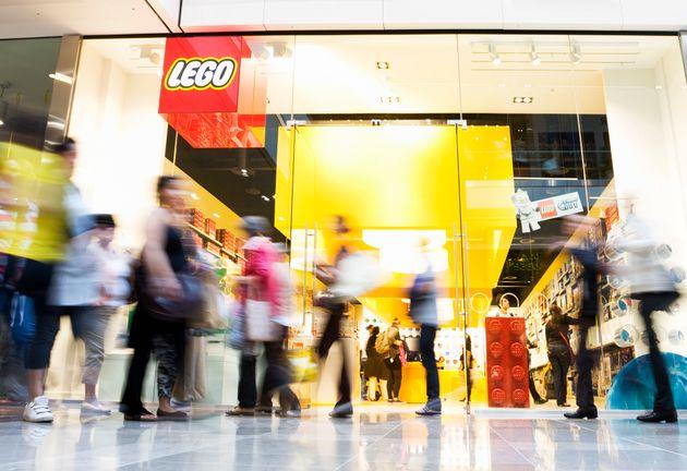 Η Lego αγοράζει το μουσείο Madame Tussauds και το London Eye του