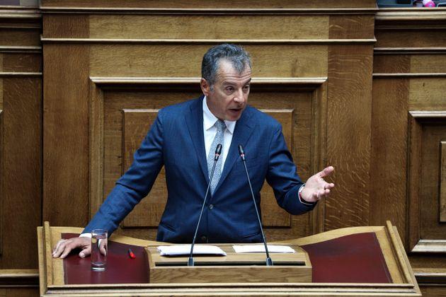 Θεοδωράκης: Δεν υπήρξαν μυστικές επαφές και μυστικά ραντεβού με τον