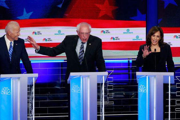 Joe Biden, Bernie Sanders et Kamala Harris, lors du deuxième débat démocrate pour...
