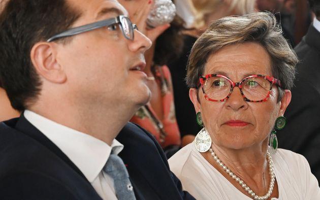 La mère de Vincent Lambert, Viviane Lambert, aux côtés de l'un de ses avocats, Jérôme...