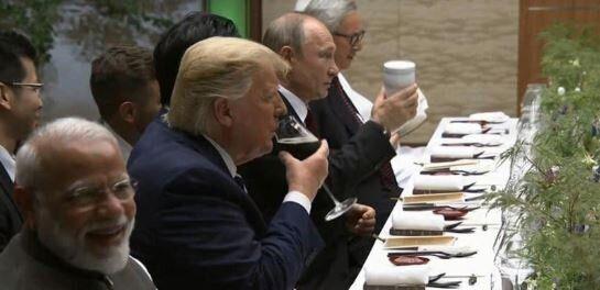 Au G20, Vladimir Poutine a apporté sa propre tasse de
