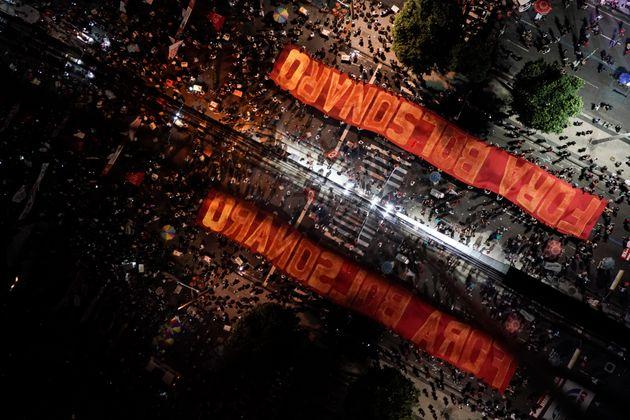 Pesquisa CNI/Ibope divulgada na última quinta-feira (27) registrou o pior desempenho de Bolsonaro...