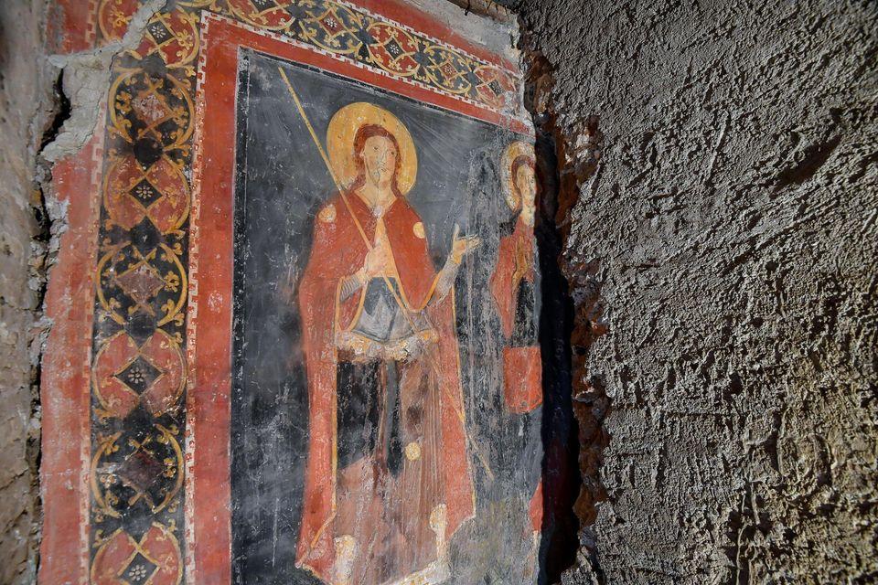 Riemerge affresco medievale