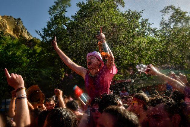 La Batalla de Vino: Η ετήσια «μάχη» του κρασιού στη Ριόχα της