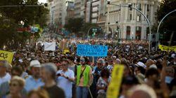 Miles de personas se manifiestan en la capital en defensa de Madrid