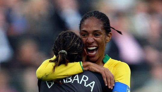 Evolução do futebol feminino no Brasil precisa ser sólida, diz diretora da Federação