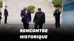 Trump entre à pied en Corée du Nord et serre la main de Kim Jong