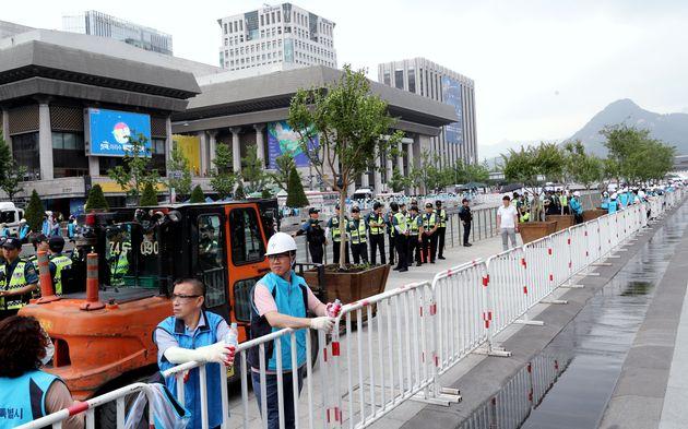 우리공화당이 광화문광장 천막 임시로 옮긴 사이 벌어진