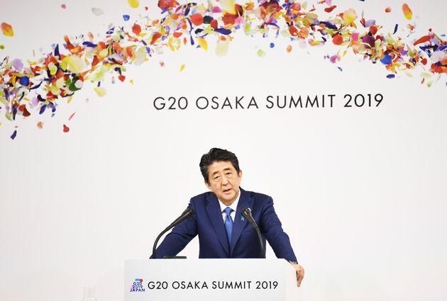 G20でスピーチをする安倍首相