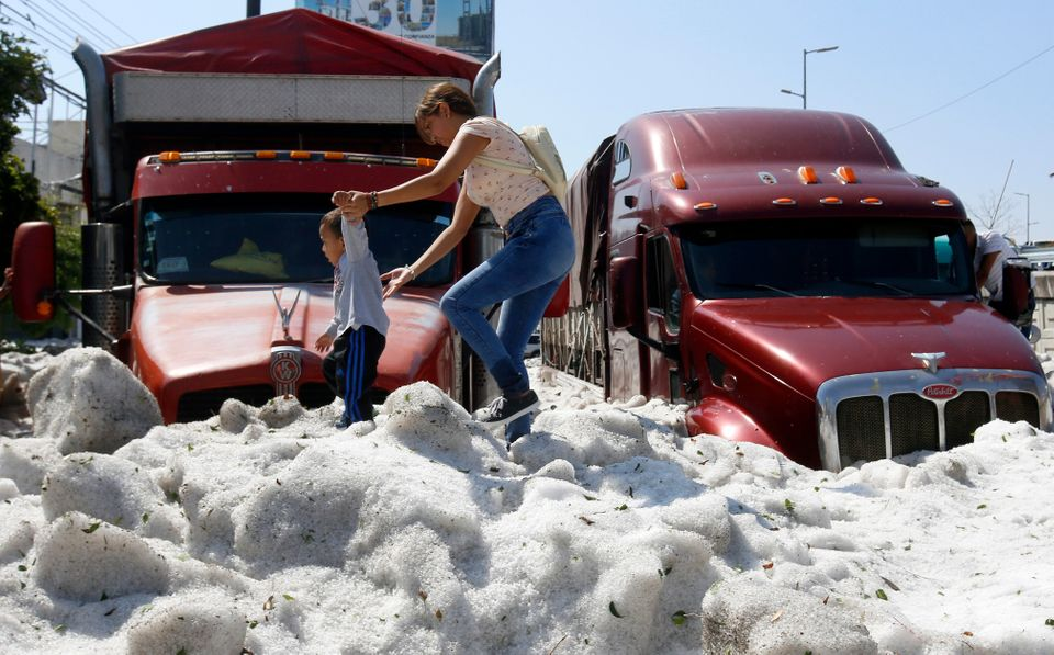 Mexico Hail: Ice 5ft Thick Blankets Guadalajara Following