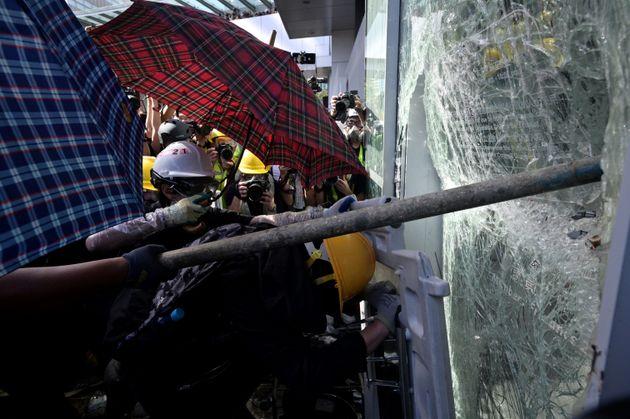 Χονγκ Κονγκ: Η αστυνομία ανέκτησε τον ελεγχο του